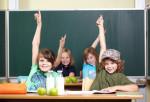Grundschulkinder. Feuer in der Grundschule.